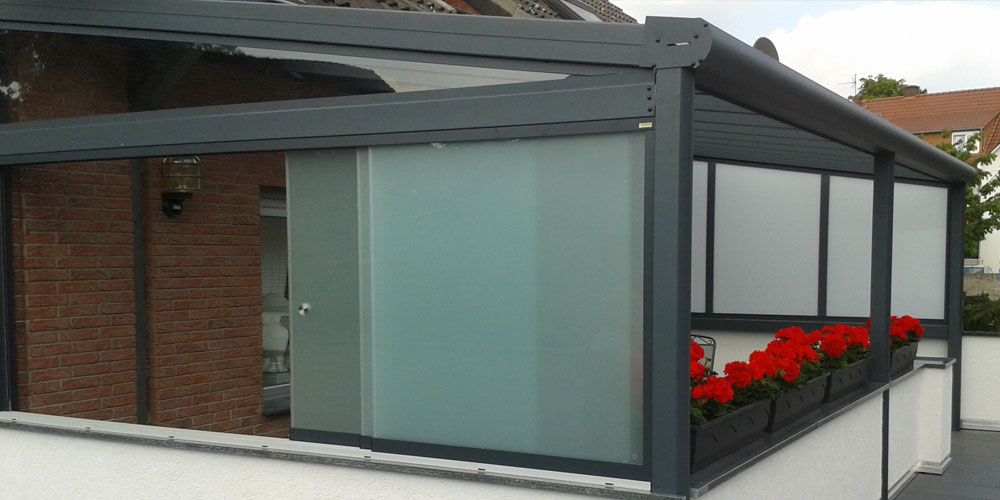 seitenw nde f r terrassen berdachung glas team is tec. Black Bedroom Furniture Sets. Home Design Ideas